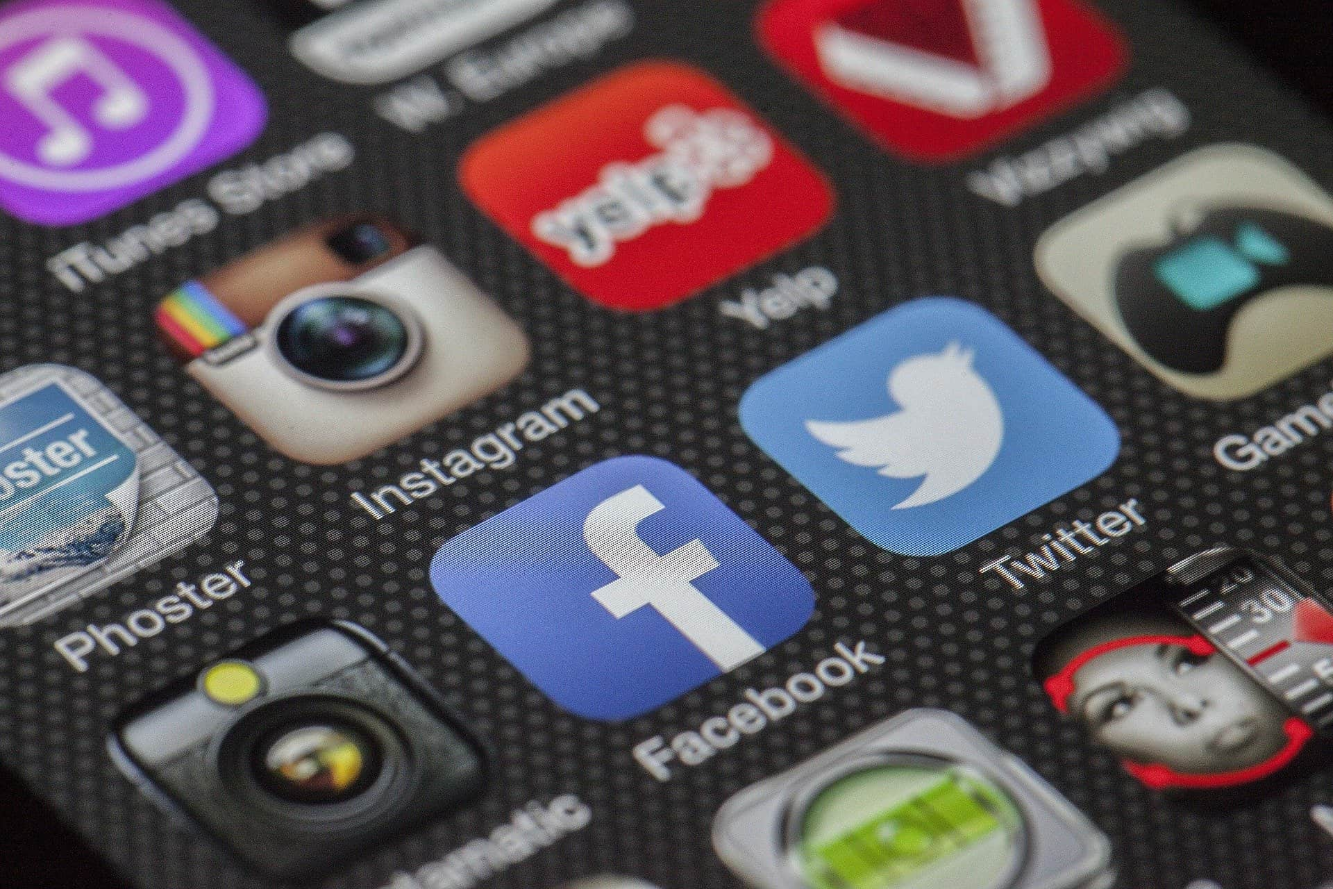 You are currently viewing Importance of social media presence for businesses